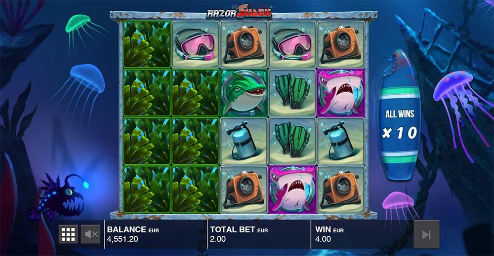 Razor Shark Slot - Mystery Stacks Feature