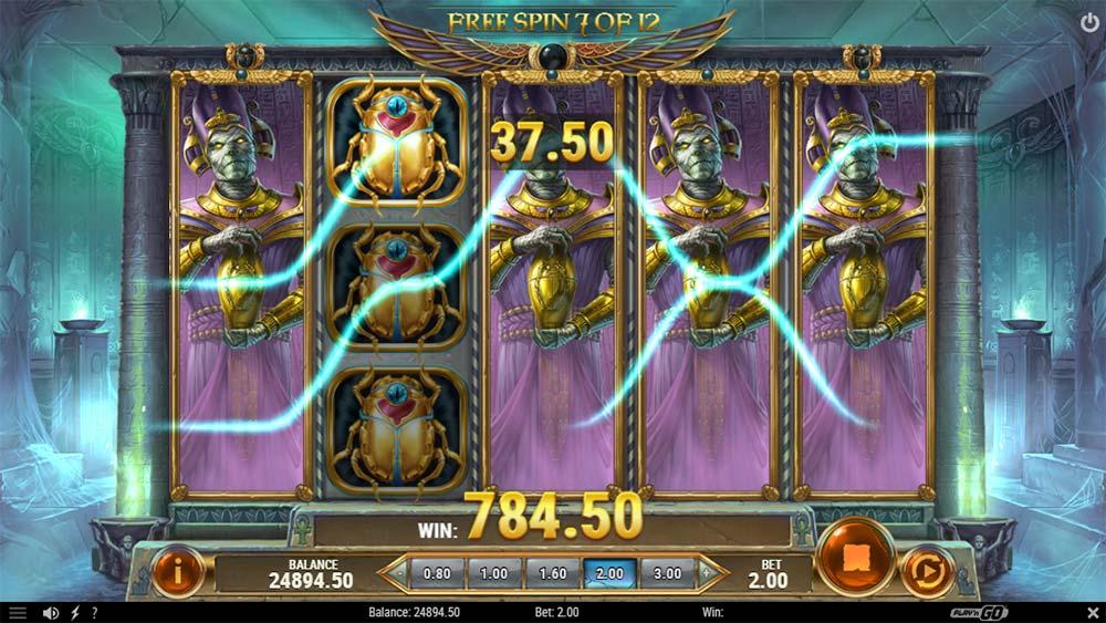Rise of Dead Slot - Expanding Symbols Feature